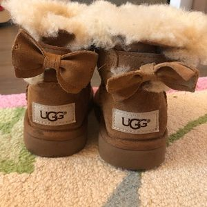 Ugg Toddler size 8 Bailey bow boots
